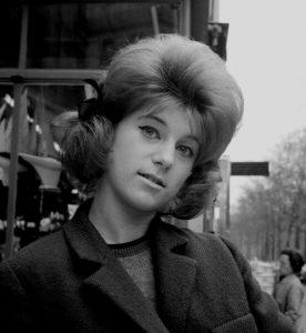 Sheila, 1963 à Paris © Gérald Bloncourt