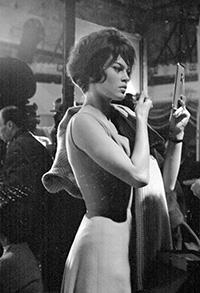 """556/8- Brigitte Bardot dans """" Babette s'en va en guerre """" aux Studios St-maurice - 17 fév 1958 ©Gerald Bloncourt"""